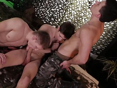 It's bareback army fun all the way as Kris Wallace gets spit-roasted & splattered with spooge