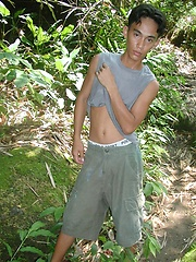 Thick thai boy masturbation in the jungle - Gay boys pics at Twinkest.com