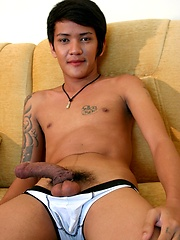 Gay Asian Twink Gus Strikes a Pose - Gay boys pics at Twinkest.com