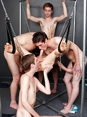 Twinks foursome sucking orgy - Gay boys pics at Twinkest.com