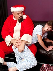 Sencer is been a bad boy and now he needs his naughty spankings - Gay boys pics at Twinkest.com