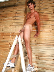 Ripped twink Armando posing naked