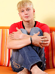 Blond twink posing naked