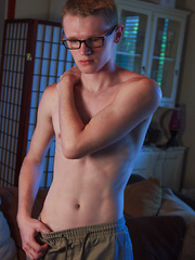 Jimmy Andrews Solo Session - Gay boys pics at Twinkest.com