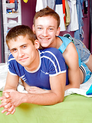 A twink cum facial for sweet young Max! - Gay boys pics at Twinkest.com