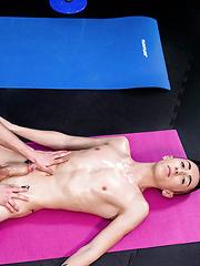 Sports Massage - Gay boys pics at Twinkest.com