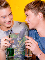 Jordan Fox visits Camille Kenzo - Gay boys pics at Twinkest.com