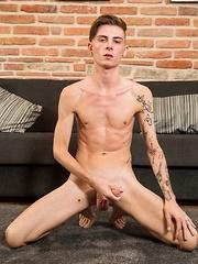 Jerome James - Gay boys pics at Twinkest.com
