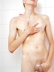 Twink anal play in the shower with Andreas - Gay boys pics at Twinkest.com