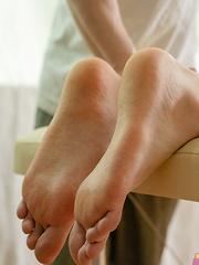 Twinks Full Service Massage - Gay boys pics at Twinkest.com
