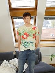 Polish twink Maksym King spreads his tight asshole. - Gay boys pics at Twinkest.com