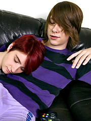 Etienne Kidd and Tony Star have something very important in common - Gay boys pics at Twinkest.com