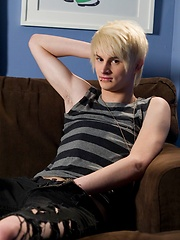 Brant Meyers is new HelixStudio blonde emo boy - Gay boys pics at Twinkest.com