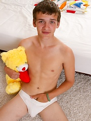 TeenBoysStudio presents the young hot Danny Roulier - Gay boys pics at Twinkest.com