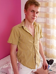 Masturbation scene with 19 y. o. Mark - Gay boys pics at Twinkest.com
