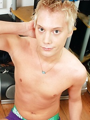 Horny little slut Kai Alexander gets a right raw blond-boy fuck! - Gay boys pics at Twinkest.com