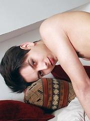 Rampant Double Penetration Gives Skylar Blu's Ass-Hole A Spunktastic Workout! - Gay boys pics at Twinkest.com