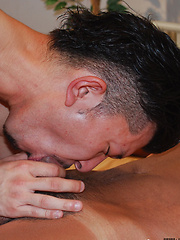 Japanese boys kissing and taking each others clothes off - Gay boys pics at Twinkest.com