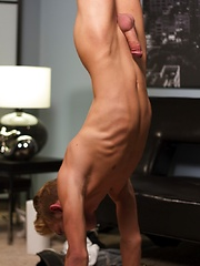 Sexy blond all American twink Dylan Hall stars in this incredibly hot LIVE show - Gay boys pics at Twinkest.com