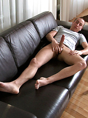 Big cocked boy masturbates & cums - Gay boys pics at Twinkest.com