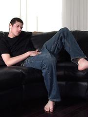 Big cocked twink masturbates - Gay boys pics at Twinkest.com