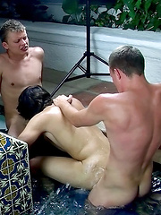 Frat Boys Double Penetrate A Skater - Gay boys pics at Twinkest.com