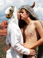 Bareback Riding In The Desert - Gay boys pics at Twinkest.com