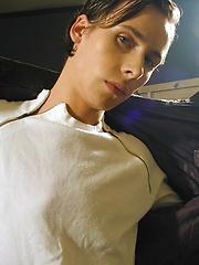 Sweet boy Victor jerks his uncut tower - Gay boys pics at Twinkest.com