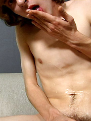 BRIAN GREENE - ROOTING FOR THE LITTLE GUY - Gay boys pics at Twinkest.com