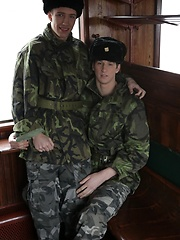It's First-Class Travel All The Way As Benjamin Dunn Gives His Army Pal A Hard Raw Fuck! - Gay boys pics at Twinkest.com