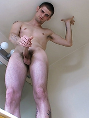 Riley Gets A Facial From Straight Nolan - Gay boys pics at Twinkest.com