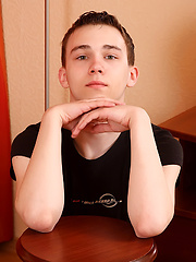 Shy teen boy Harry - Gay boys pics at Twinkest.com