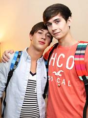Hot Bareback Student Boys - Gay boys pics at Twinkest.com