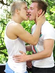 John Parker Barebacks Karl Rossi - Gay boys pics at Twinkest.com