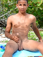 Horny White-Boy Can't Wait To Give A Big, Black Butt-Picker A Hot, Raw Ride On The Beach! - Gay boys pics at Twinkest.com