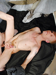 Jordan Sins Likes To Watch Friends Fuck - Gay boys pics at Twinkest.com