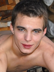 Daryl is hot, smooth and ripped guy with nice abs, from Luis Blava collection - Gay boys pics at Twinkest.com