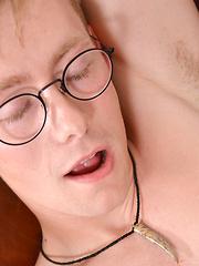 Say Hello To Cute Nickie - Gay boys pics at Twinkest.com