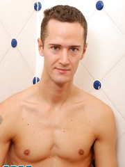 Denis Folac and Julian Tomlison - Gay boys pics at Twinkest.com